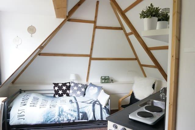 Own kitchen, furnished room, garden