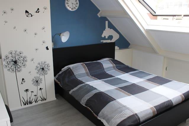 Mooie lichte privékamer