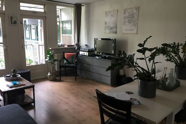 Central but quiet apartment for 2
