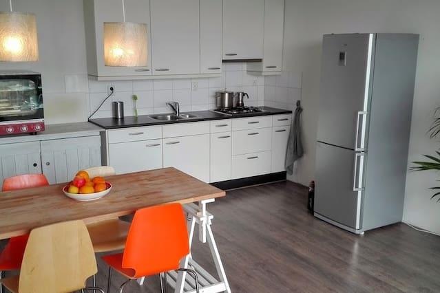 Bright modern apartment close to Haarlem centre