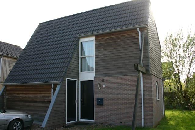 Recreatiewoning in Friesland (huisdieren mogelijk)