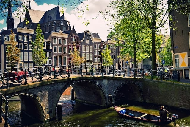 Business & Cozy in Amsterdam 18 min to Center