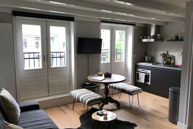 Cosy Studio with terrace, perfect for a couple!