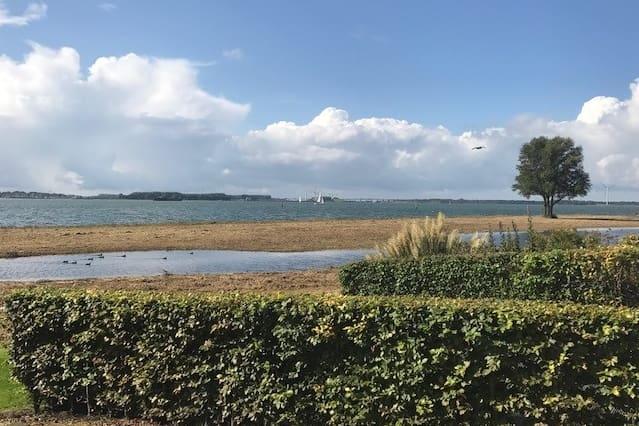 Woning aan het Hollands Diep