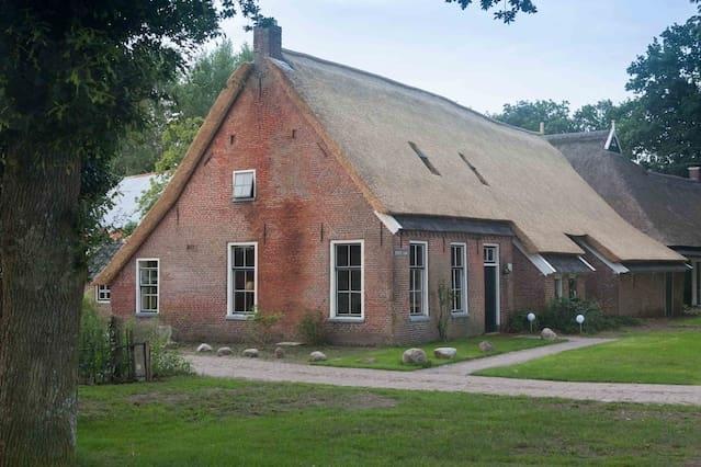 Vakantiehuis in oude boerderij met hottub en sauna