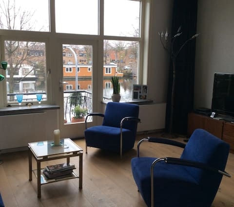 Comfortable apartment on the river Spaarne
