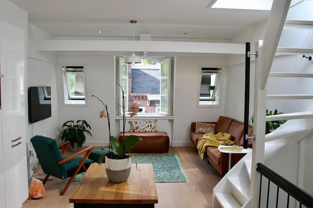 Spacious & bright love nest in Oud-West w/rooftop