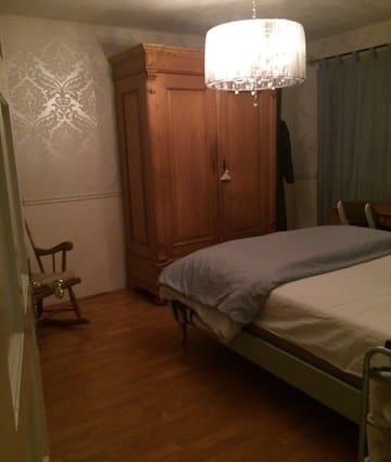 ruime en gezellige slaapkamer