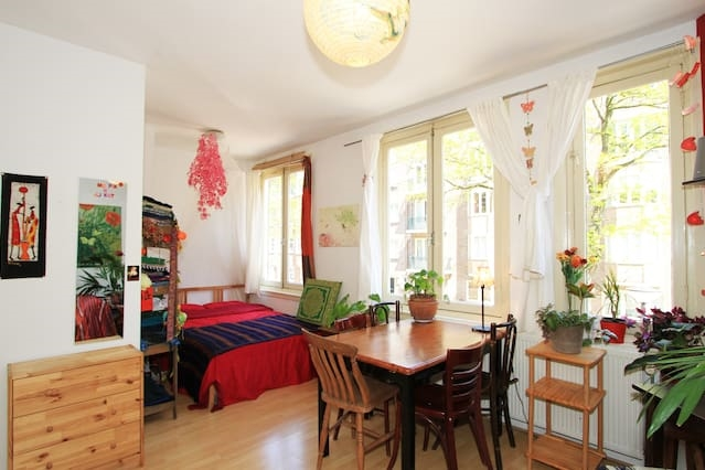 Cosy&spacious room, 10 mins from center!