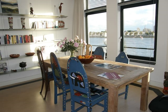 Private studio in apartment with river view