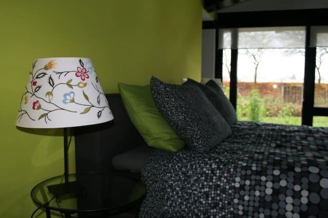 Mooie B&B kamer in een groene oase.