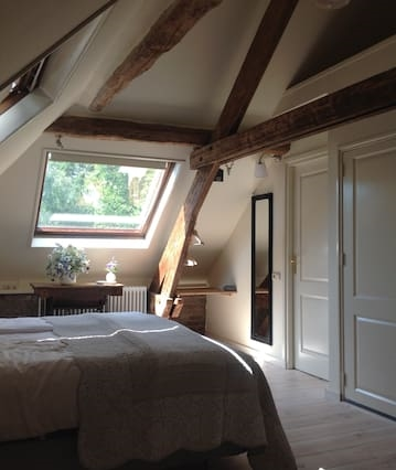Annelies Place to B & B  kamer TOM