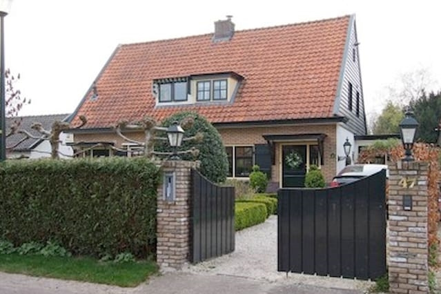 Beautiful House In Blaricum Near Amsterdam Oozonl