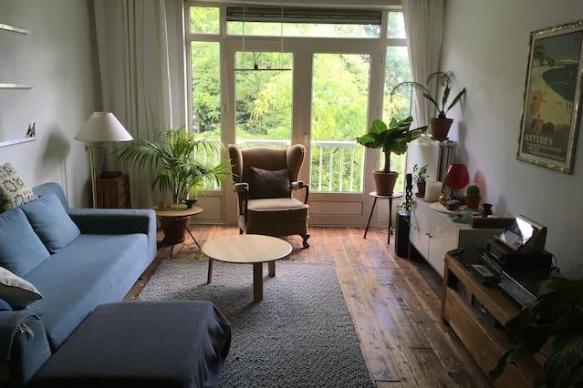 Genuine apartement in green & quiet area