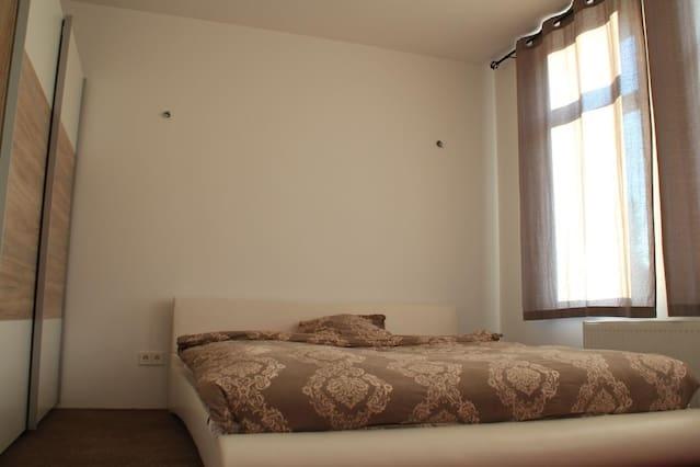 1 BedRoom in luxury house