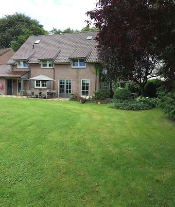 Villa Haaren (bij Oisterwijk, Tilburg, Den Bosch).