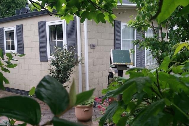 3 kamer chalet vrijstaand met tuin terrasmeubelen