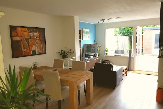 Apartment with free parking in Haarlem