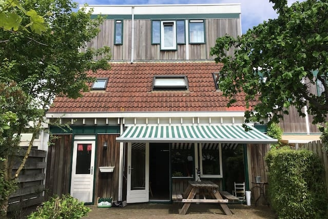 Nice house in Hoofddorp, close to airport/A'dam