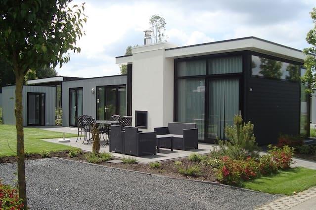 Modern bungalow A'dam-Haarlem