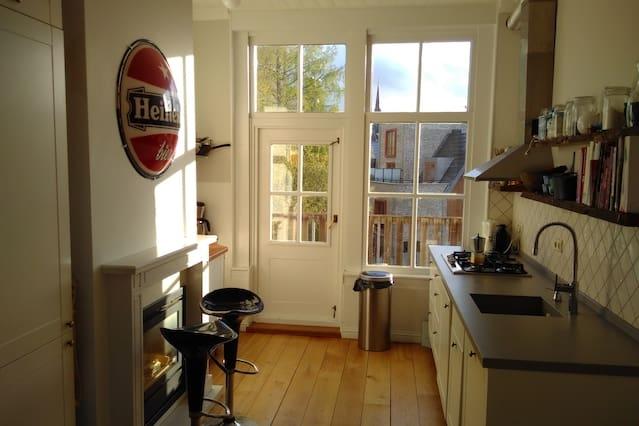 Spacious, sunny apartment near Amsterdam.