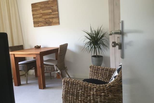 Airbnb kamers en woningen in de wijk almere buiten oozo