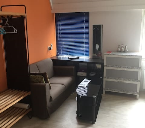 Quality studio close to city center
