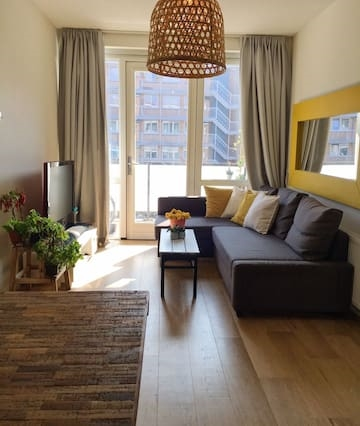 Entire, luxury apartment in trendy Amsterdam West!