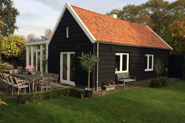Ruim vrijstaand huis met karakter nabij Biesbosch