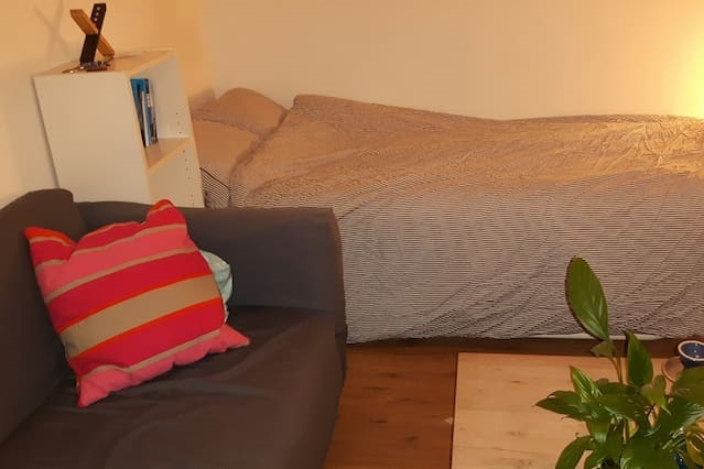GREAT LOCATED,CLEAN & COMFY ROOM:-)