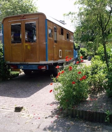 Klein maar fijn in moderne houten woonwagen