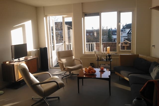 Sunny and cosy 2 bedroom apartment.