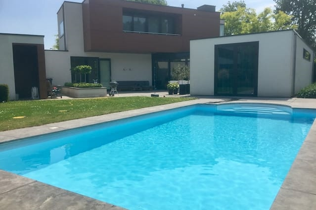 Spacious villa with swimming pool!