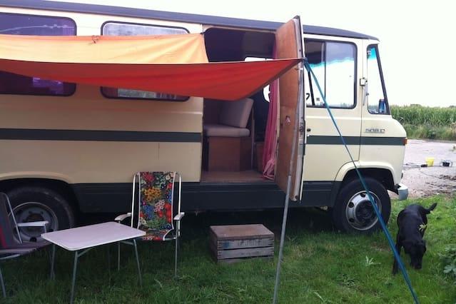 Seventies camper in the Betuwe